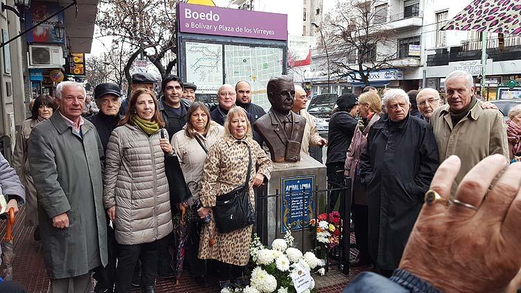 Inauguración de un busto del Licenciado Aníbal Lomba en San Juan y Boedo