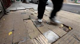 Crecen los reclamos por veredas en mal estado en Boedo