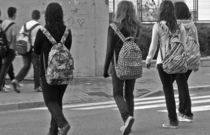Crecen los robos a la salida del colegio en la Ciudad de Buenos Aires