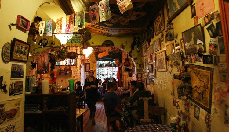 Cafés temáticos, una nueva forma de aprender