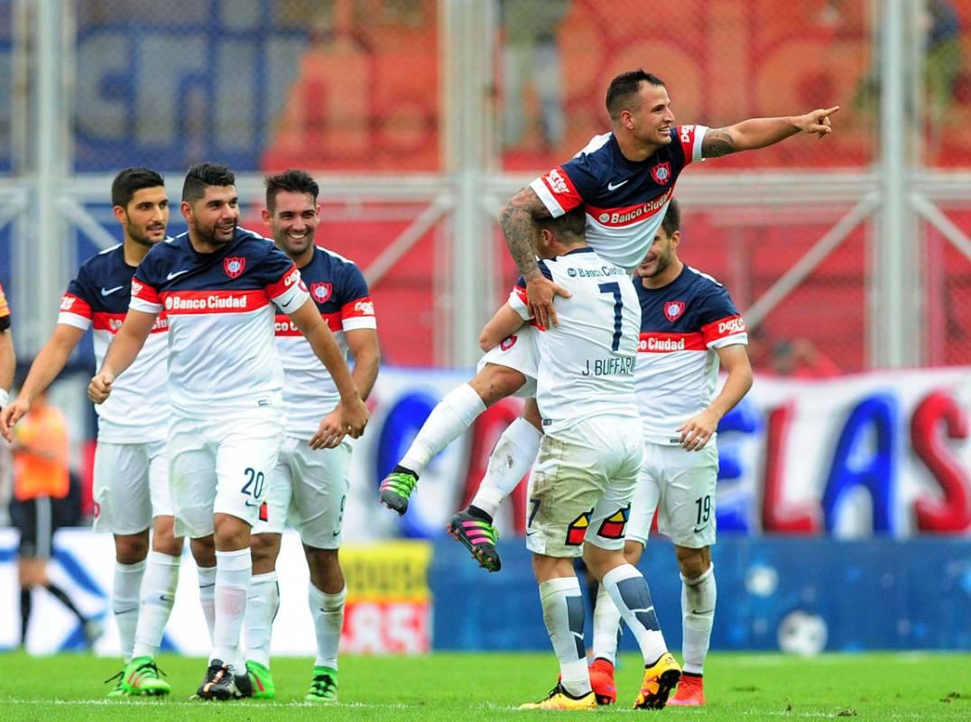San Lorenzo derrotó a Central en el nuevo Gasómetro y alcanzó la punta