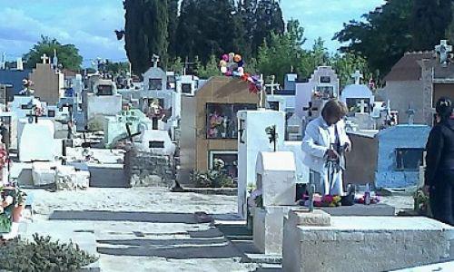 La Legislatura dio a la Ciudad poder de policía en cementerios
