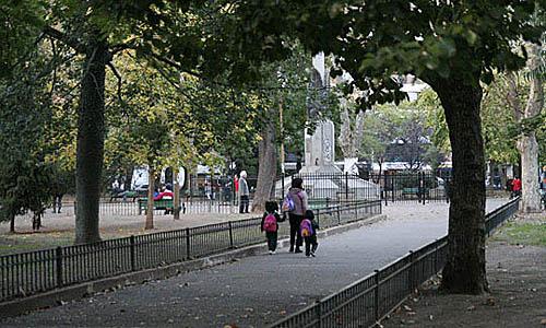 Fiesta en plaza Almagro por el Corredor Verde