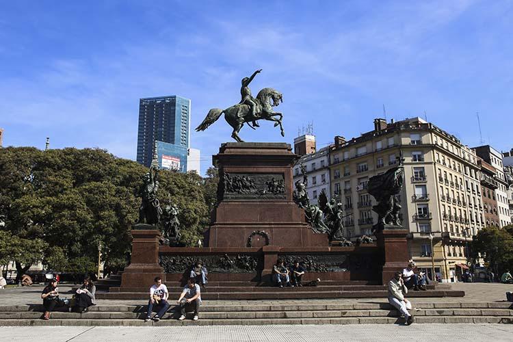 LA CIUDAD PUSO EN VALOR LOS MONUMENTOS MÁS EMBLEMÁTICOS DEL GENERAL SAN MARTIN