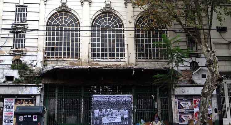 Cine Teatro Urquiza de Parque Patricios