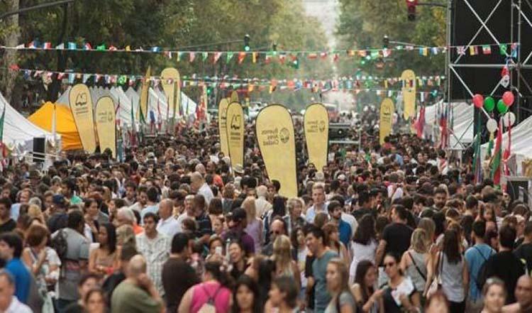 Feria de las colectividades, el furor de septiembre