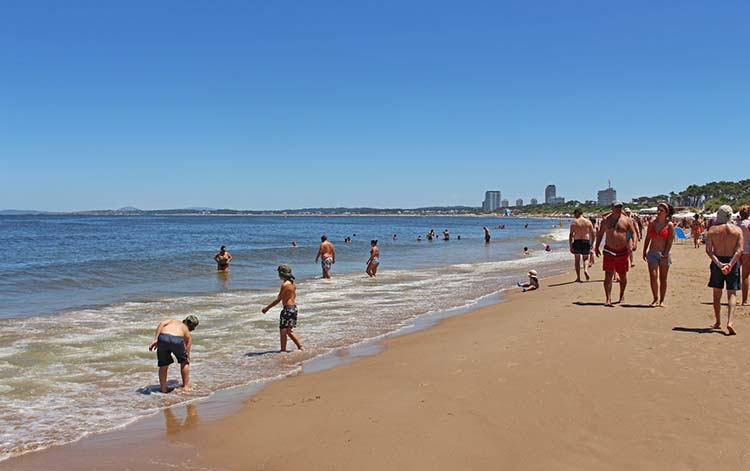 Punta del Este. cada vez más argentinos lo visitan