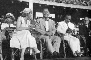 1951 Eva Peron, Juan Domingo Duarte Peron & Dr. Rudolfo G