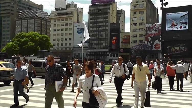 Derribando mitos, los argentinos entre los más adictos al trabajo