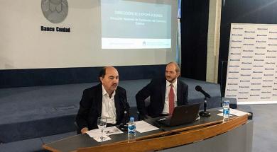 Javier Ortiz Batalla en la capacitación Exportar Simple del Banco Ciudad