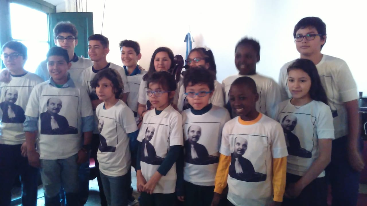 "Orquesta Escuela Infantil y Juvenil de Tango ""TITÍ ROSSI"""