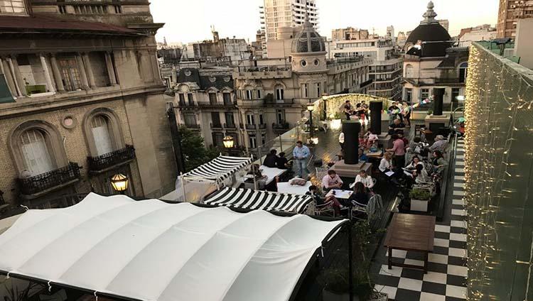 El éxito de la Terraza Trendy con tango al aire libre