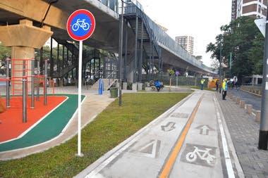 Se inauguro la primera plaza pública debajo del  Viaducto Mitre