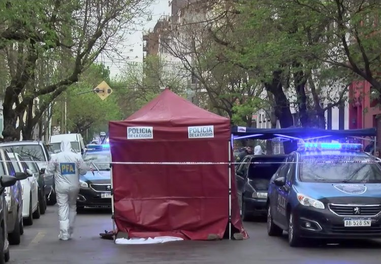 Tres policías detenidos por la muerte de un hombre en Villa Crespo
