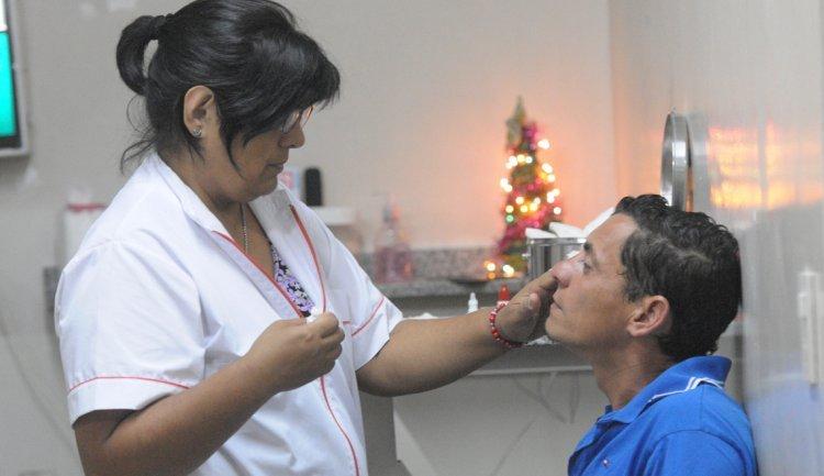 La pirotecnia y los corchos son las principales causas de lesiones en los ojos