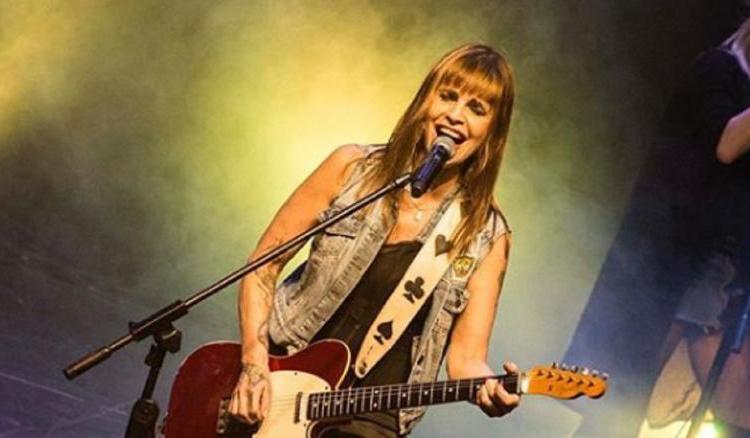 Este sábado Fabiana Cantilo brindará un show por streaming
