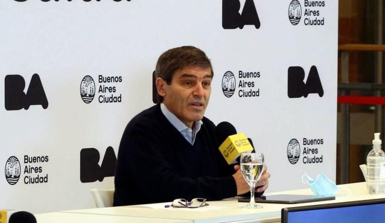 """Fernán Quirós: """"Estamos en el lugar alto de la curva de contagios"""""""