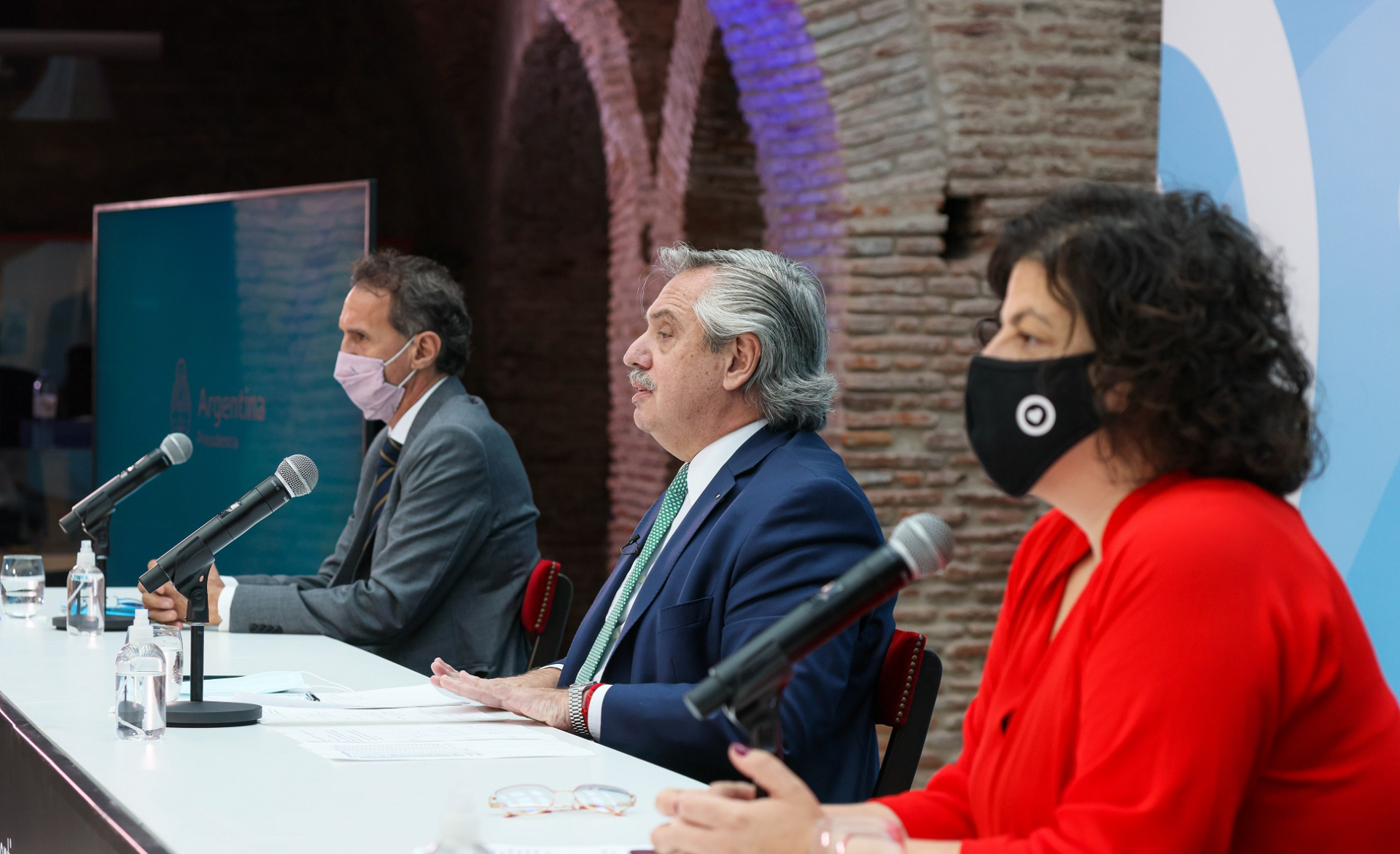 Alberto Fernández anunció obras para reforzar el sistema sanitario
