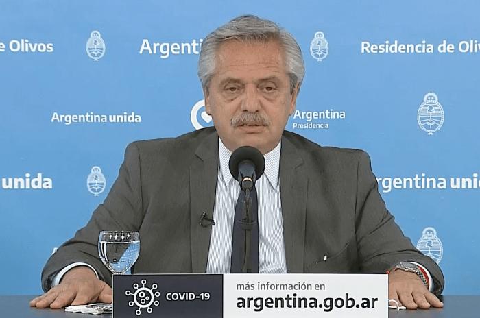 El Presidente Alberto Fernández, para frenar el avance de la segunda ola